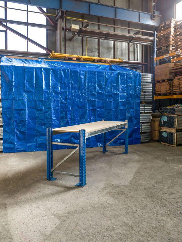 Použitý pracovní stůl s DTD 22 mm regál, 950x2700x770 mm, 1 police